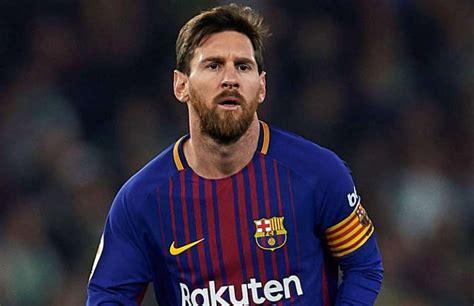 barcelona striker lionel messi hasn t yet signed contract lionel messi broke a la liga record held by cristiano