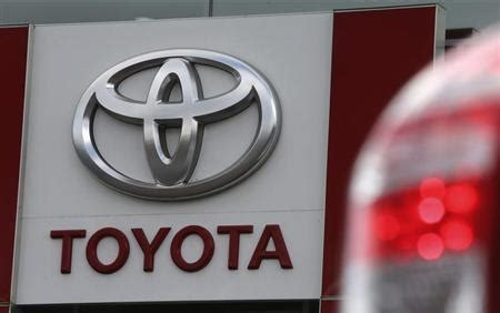 Toyota Sign Toyota Keeps Top Spot In Auto Sales Rankings Outselling