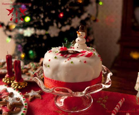 hummingbird miniatures merry berry christmas cake