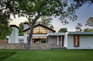 contemporary ranch house ranch home goes modern contemporary exterior dallas by western window systems