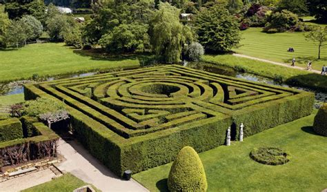 mazes hever castle