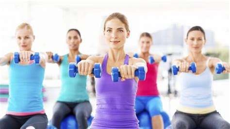esercizi aerobici da fare in casa aerobica esercizi bruciagrassi da fare a casa