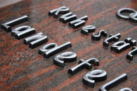 Erhabene Klebebuchstaben by Inschriften Und Beschriftungsarten Bachmann Wille Gmbh