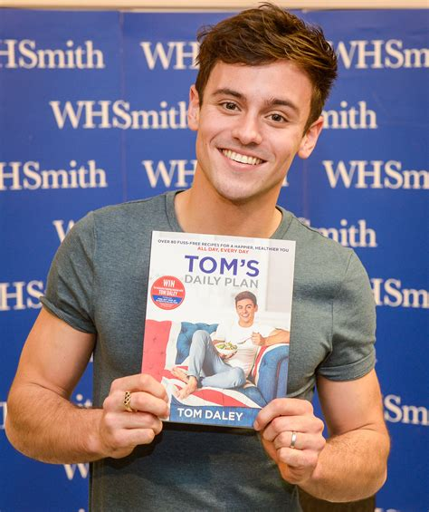 fame tom daley books tom daley book signing st enoch