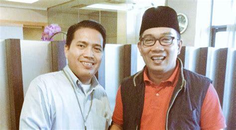 Kaos Trend Om Telolet Om Gildan by Persib Ke Jakarta Ridwan Kamil Temui Ketua Jakmania Pakai