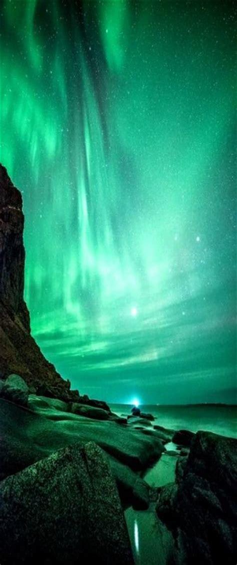 airbnb iceland northern lights the northern lights at uttakleiv at lofoten island