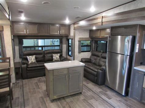 2018 open range roamer 337rls rear living 5th wheel with