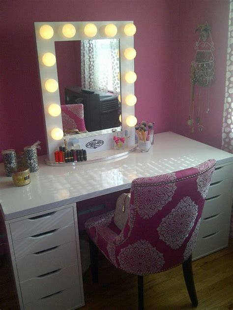 Vanity Furniture With Lights by Rustic Vanity Makeup Table With White Trifold Mirror And