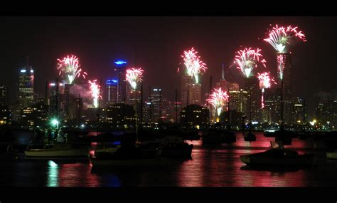 new year melbourne fireworks hello 2011 live travel