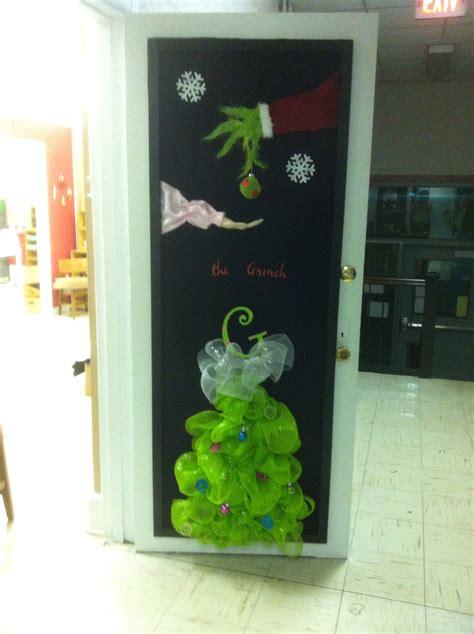 preschool door decorations for christmas millie pam s preschool door preschool doors and