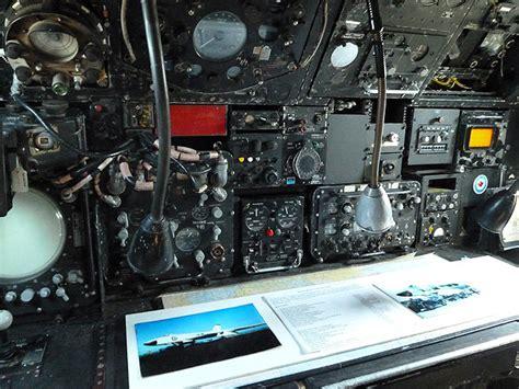 cockpit   avro vulcan  walter baxter