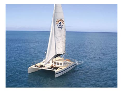 catamaran boat cruise oahu honi olani boat charter waikiki deluxe catamaran private