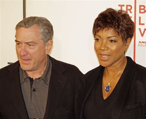 Robert De Niro Cheats His Employees Out Of Thousands Of Dollars by File Robert De Niro And Grace Hightower In 2008 Jpg