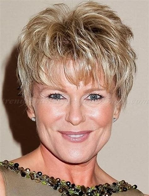 hairstyles for women over 50 with square face short messy hairstyles with bangs for square faces women
