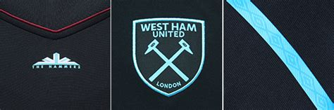 Kaos Wonebi West Ham United detail jersey away west ham 2017 18 bola net