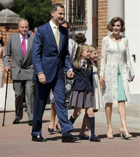 casa reale spagnola la famiglia reale spagnola al gran completo per la