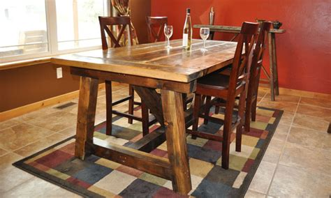 Build A Rustic Dining Table White Rustic Farmhouse Table With Distressed Finish Diy Projects