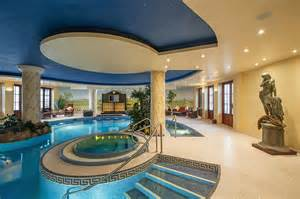 Backyard Golf Set 5 Luxury Private Homes With The Wow Factor To Rent In The Uk