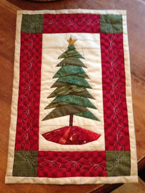 christmas tree wallhanging pattern 17 best images about cindi edgerton patterns on pinterest