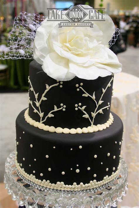 Seattle wedding cake   idea in 2017   Bella wedding