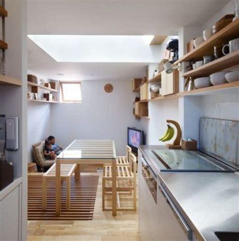 trik menyiasati interior desain rumah minimalis  lantai