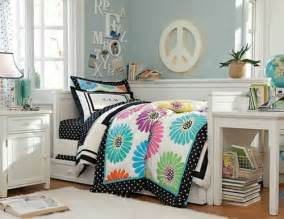 kompakte platzsparende bel das hochbett ist auch she lists all the paint colors fancy farmhouse bedroom makeover
