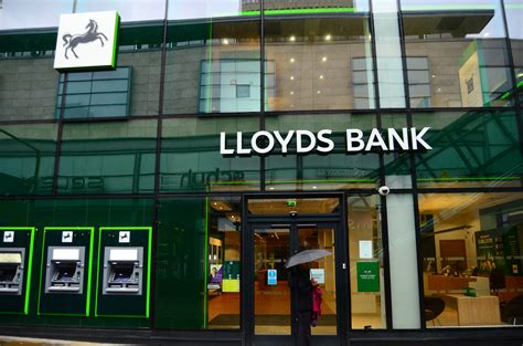 Lloyds Bank Confirms Branch Closures And 9 000 Losses