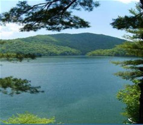 lake nantahala cabin rentals nantahala cabin rentals chalets vacation homes lodging