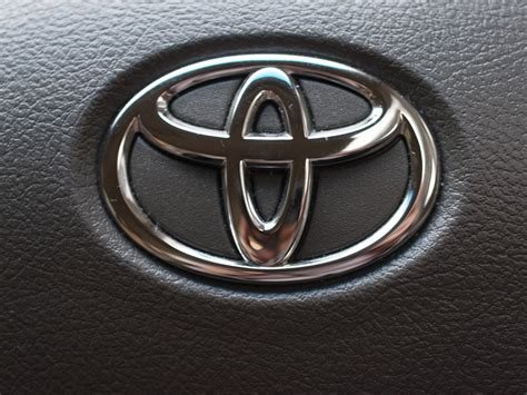 logo toyota everything about all logos toyota logo pictures