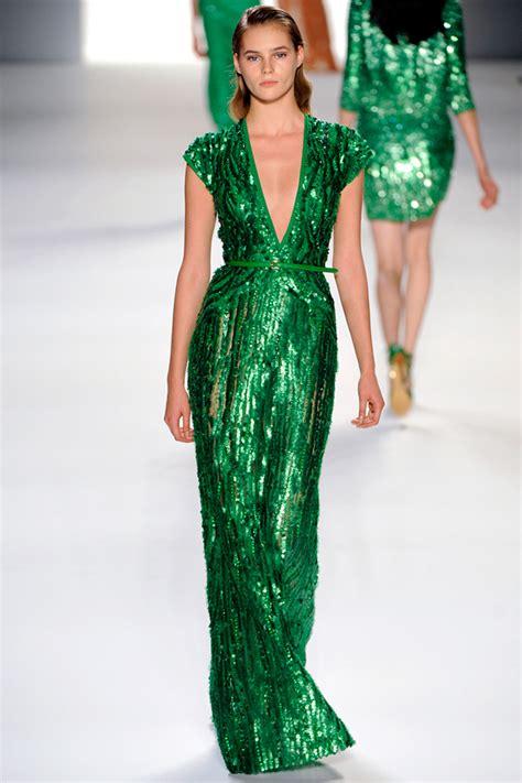 wear emerald green trend   budget fashion inspo
