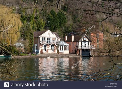 thames boat house boat house on thames path at henley on thames oxfordshire