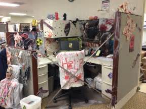 Decorate Cubicle For Halloween Halloween Cubicle Decoration Idea From The Walking Dead