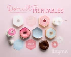 Kara s party ideas free diy donut gift boxes doughnut party ideas