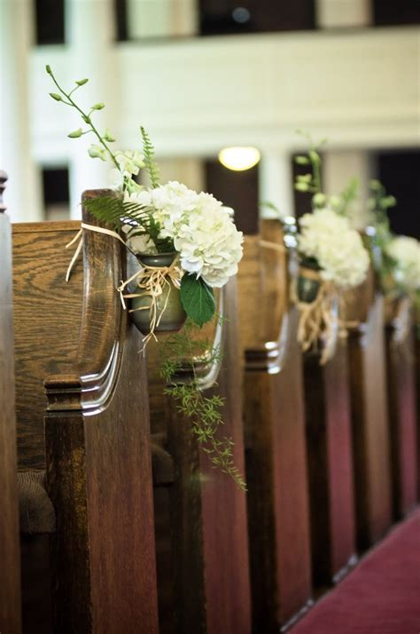 17 Best images about Wedding Decor: Pretty Pews on