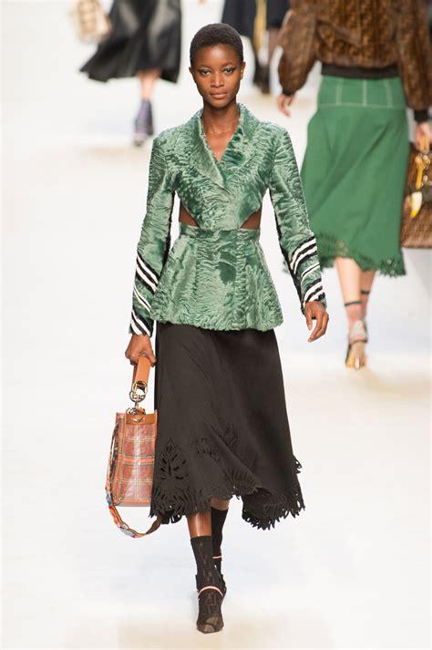 Fendi Kacamata Fashion Wanita 1 fendi at milan fashion week 2018 livingly