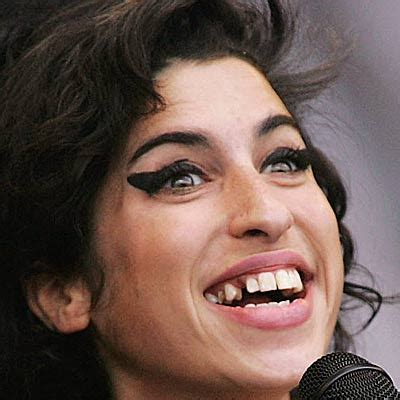Winehouse Somehow Looks Better Not Done Up by Interesting Email Forwards With Bad Teeth