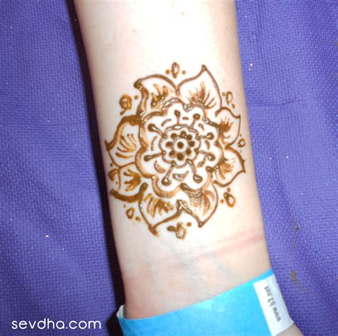 henna tattoo designs wrist 29 henna patterns on wrist makedes