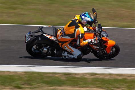 Ktm Motorr Der Videos by Ktm 1290 Super Duke R Gripparty Pannoniaring 2014