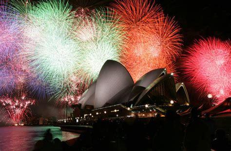 file apec australia 2007 sydney opera house fireworks jpg