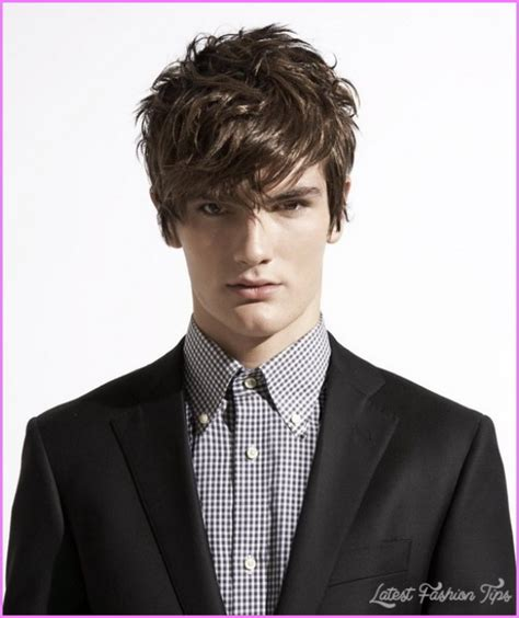 trendy hairstyle looks like a herringbone but with rubberbands messy hairstyles for men latestfashiontips com