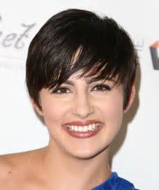 Jacqueline toboni short straight casual hairstyle black