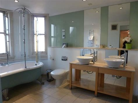 stunning bathrooms 22 stunning bathrooms with claw foot tubs page 2 of 5