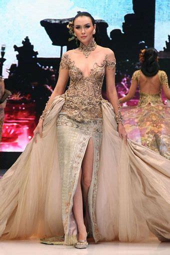design batik ramli 213 best indonesia kebaya by anne avantie images on