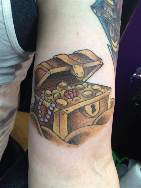 treasure chest tattoo treasure chest second addition to the start of a pirate