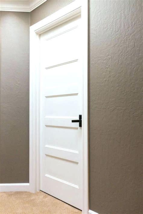3 panel shaker doors 3 panel white primed shaker door