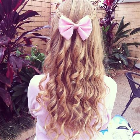 bow in her hair and rear view curly hair with a pink bow hair pinterest my hair