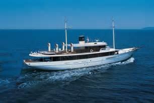 Luxury life design johnny depps luxury yacht