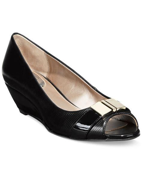 alfani shoes womens alfani s step n flex chorde wedge pumps only at