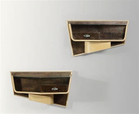 comodini a muro grandi comodini a muro in legno verniciato con maniglie in