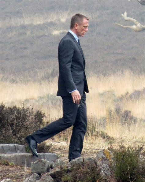 Bond Wardrobe Skyfall by Daniel Craig In Daniel Craig On Set Of Quot Skyfall Quot Zimbio